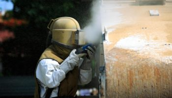 Sandstrahlen, Strahlen, Sandstrahlen Behälter, Sandstrahlen Metall, Strahlprozess, HWT Hansen, Heizungsfirma, Sandstrahlfirma, HWT,